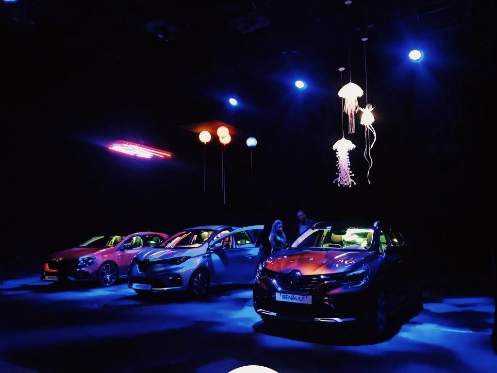 4 необичайни перспективи - Renault представя новите Clio R.S. Line, Megane R.S. Trophy, Captur и Zoe