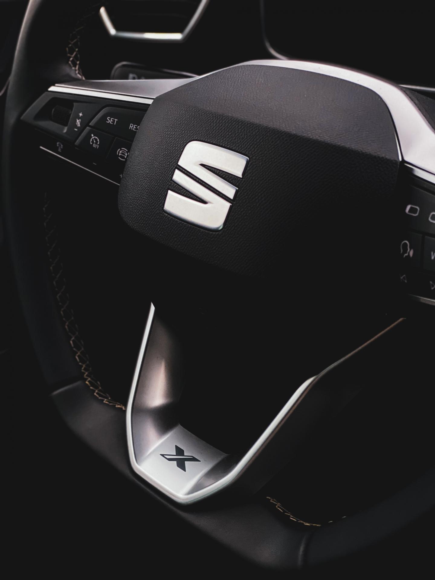 Seat Leon steering wheel detail