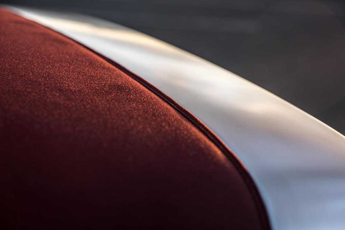 Singer Porsche Details