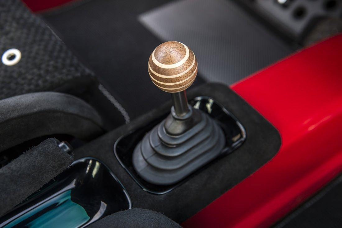 Singer Porsche wooden knob