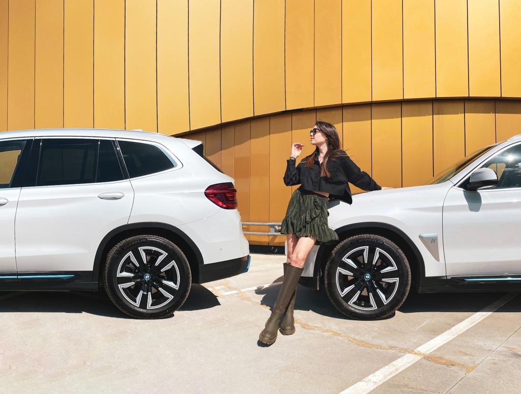 BMW iX3 - бъдещето е в технологиите, а технологиите са тук (тест драйв)