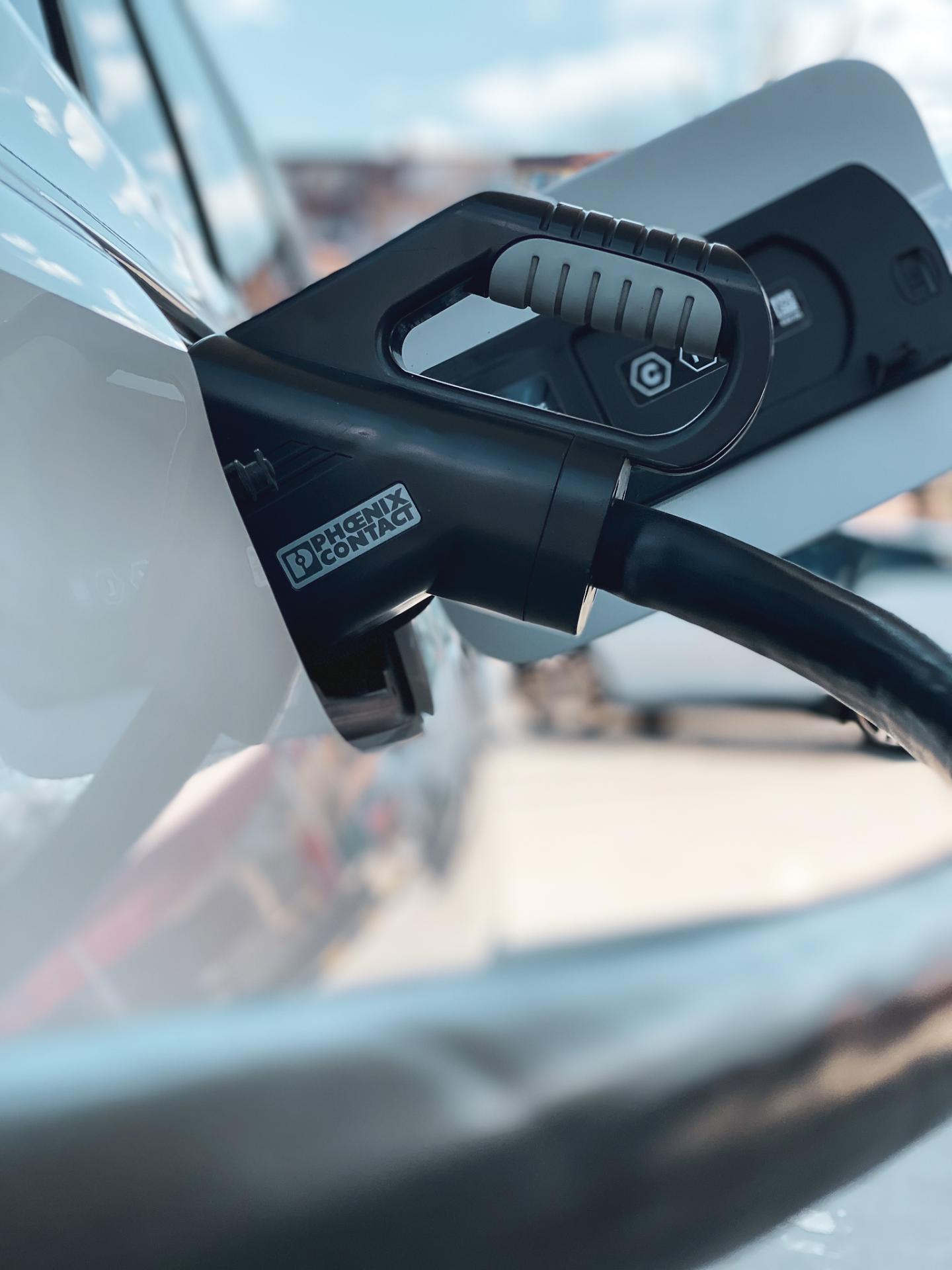 BMW iX3 charging