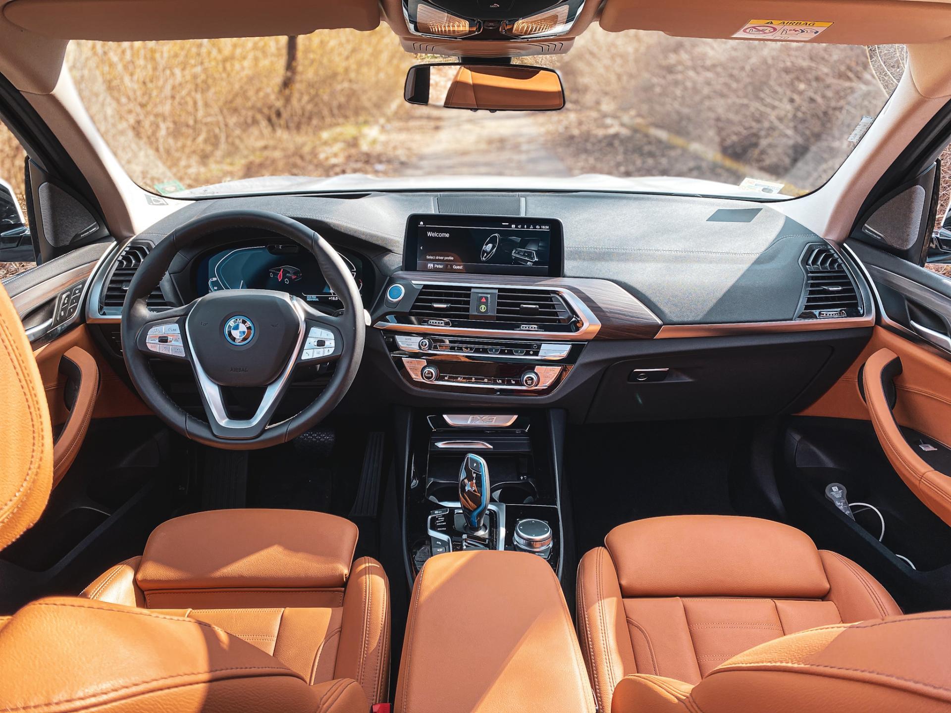 BMW iX3 Interior Impressive package