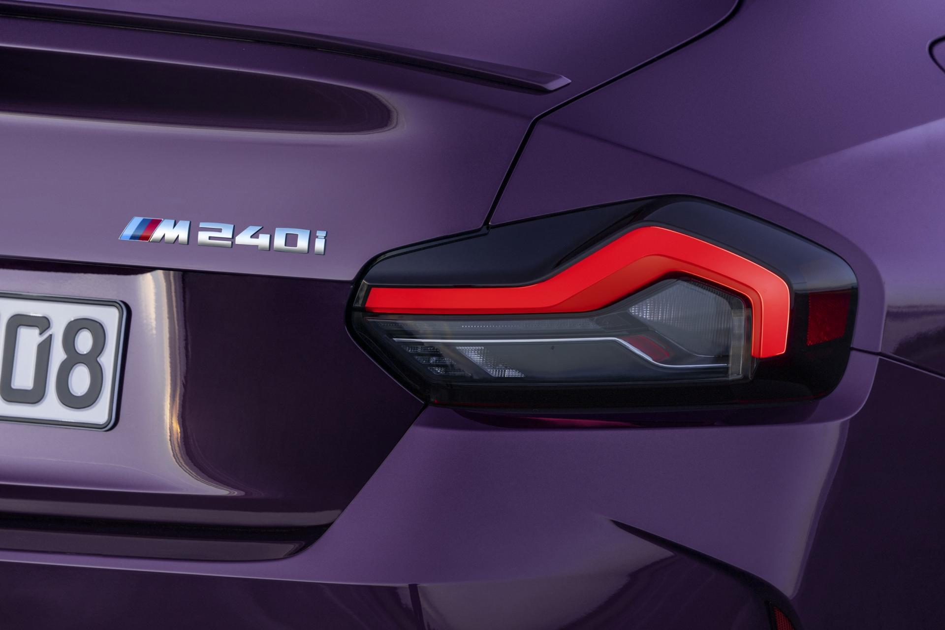 BMW Series 2 2022 tailights